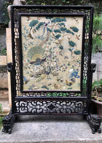 A BIRD AND FLORAL PATTERN EMBROIDERY SCREEN
