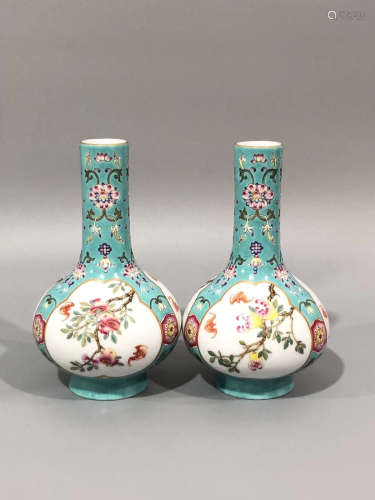 A PAIR OF FLORAL PATTERN VASES