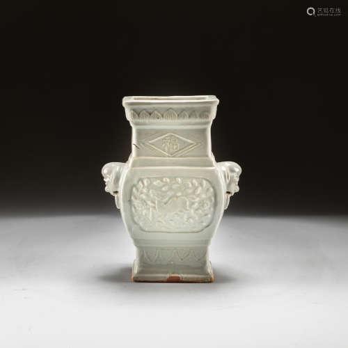Yuan Or Ming Antique White Glazed Vase
