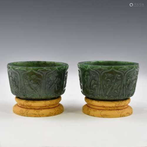 PAIR OF GREEN JADE CENSERS ON STAND