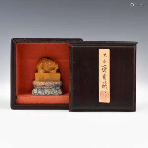 QING CARVED TIANHUANG SEAL IN PROTECTIVE BOX