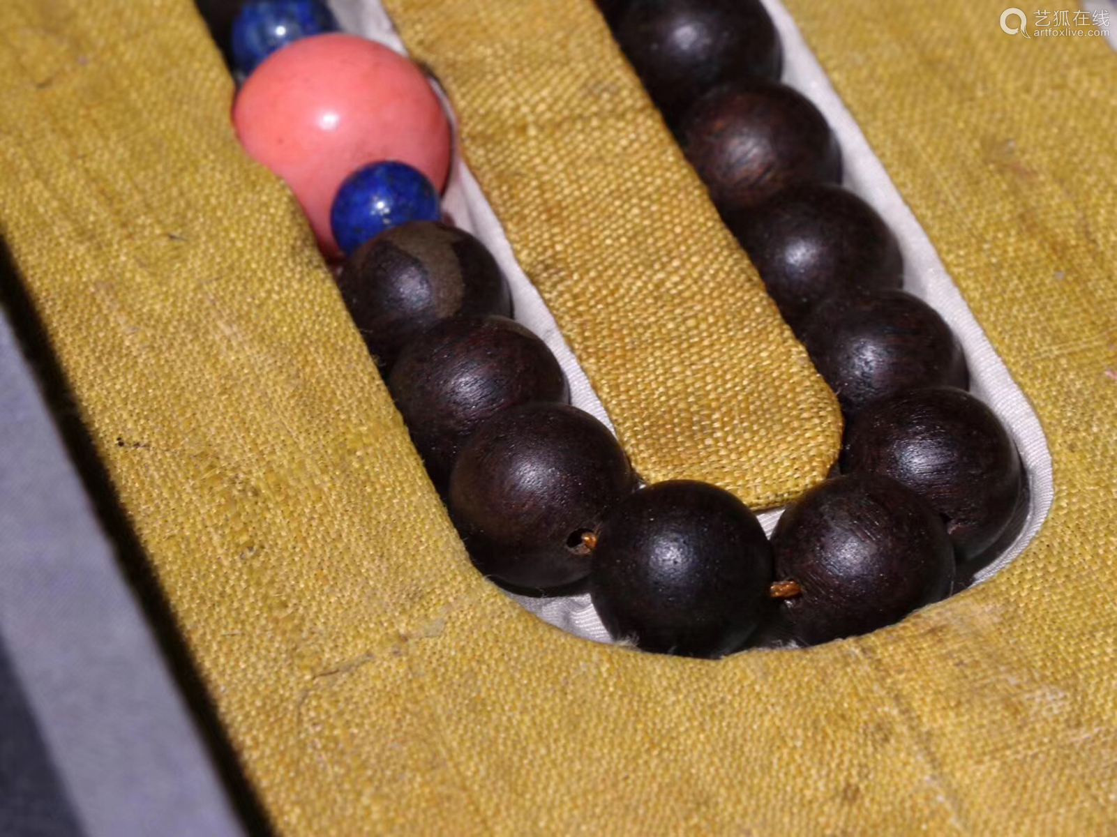 AN OLD CHENXIANG WOOD BEADS STRING NECKLACE