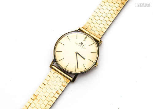 A 1960s Jaeger Le Coultre 9ct gold cased gentleman's wristwatch, 33mm case, gilt satin dial with