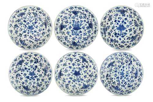 A SET OF SIX CHINESE BLUE AND WHITE DISHES. Qing Dynasty, Kangxi period. Each freely painted with