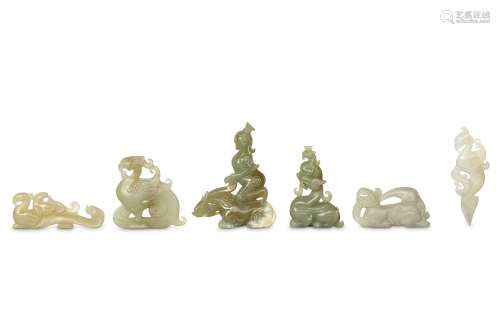 A COLLECTION OF CHINESE JADE CARVINGS. 6.5-9cm. (6) 玉雕一组