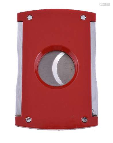 S. T. Dupont, Maxijet, a red lacquer cigar cutter