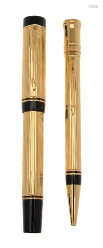 Parker, Duofold Centennial, a gold plated fountain pen and propelling pencil