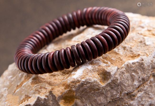 印度小叶紫檀手串紫檀0.8cm圆片珠