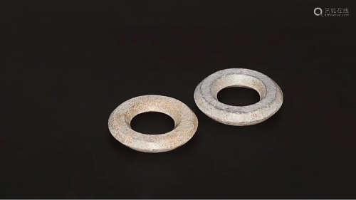 206BC-220AD, A PAIR OF HETIAN JADE RINGS, ZHAN&HAN DYNASTY