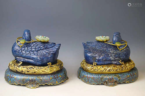 17-19TH CENTURY, A PAIR OF DUCK DESIGN LAPIS LAZULI ORNAMENT, QING DYNASTY