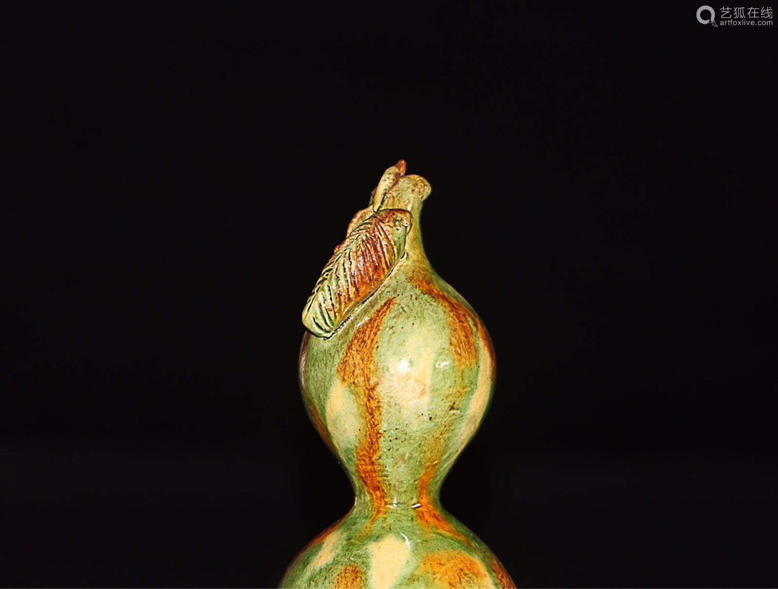 A GOURD DESIGN TANG TRI-COLOR GLAZED ORNAMENT