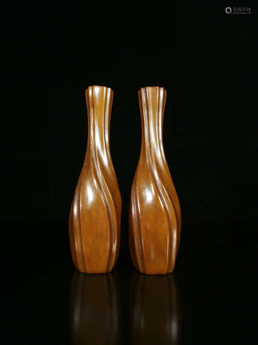 17-19TH CENTURY, A PAIR OF RHOMBUS PATTERN BOXWOOD VASE, QING DYNASTY