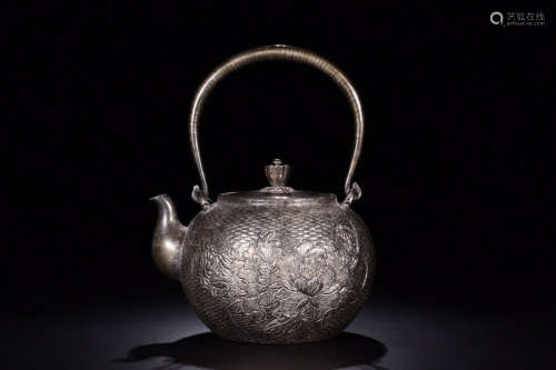 1912-1949, A FLORAL PATTERN SLIVER TEAPOT, THE REPUBLIC OF CHINA
