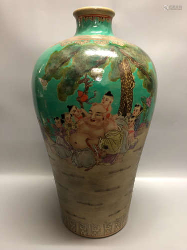 A COLORFUL FIGURE DESIGN PLUM VASE , QING DYNASTY