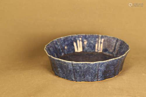 14-16TH CENTURY, A BLUE GLAZED DECAGONAL PLATE, MING DYNASTY