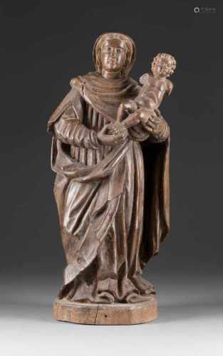 MUTTERGOTTES MIT DEM CHRISTUSKNABEN Flandern, um 1600 Eichenholz, vollplastisch geschnitzt . H. 55,5