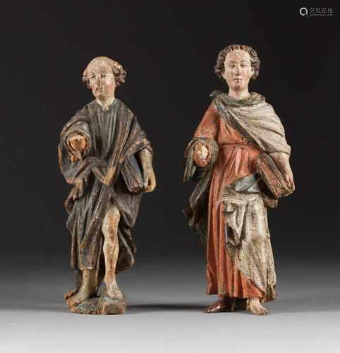ZWEI HEILIGENFIGUREN Süddeutsch, um 1700. Holz, plastisch geschnitzt, farbig gefasst, rückseitig