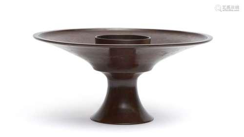 Vase rond usubata en bronze marron brillant sur pi…