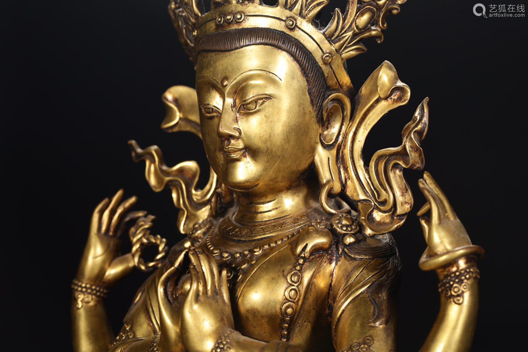 14-16TH CENTURY, A FOUR-ARM BUDDHA DESIGN GILT ORNAMENT, MING DYNASTY