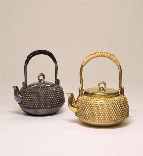 长嵨八十吉造 银雾散茶瓶一对