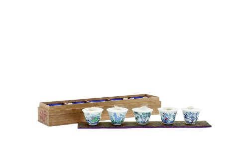 清 豆彩花卉诗文煎茶杯一套五件