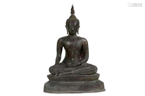 A LARGE BRONZE FIGURE OF SAKYAMUNI BUDDHA.