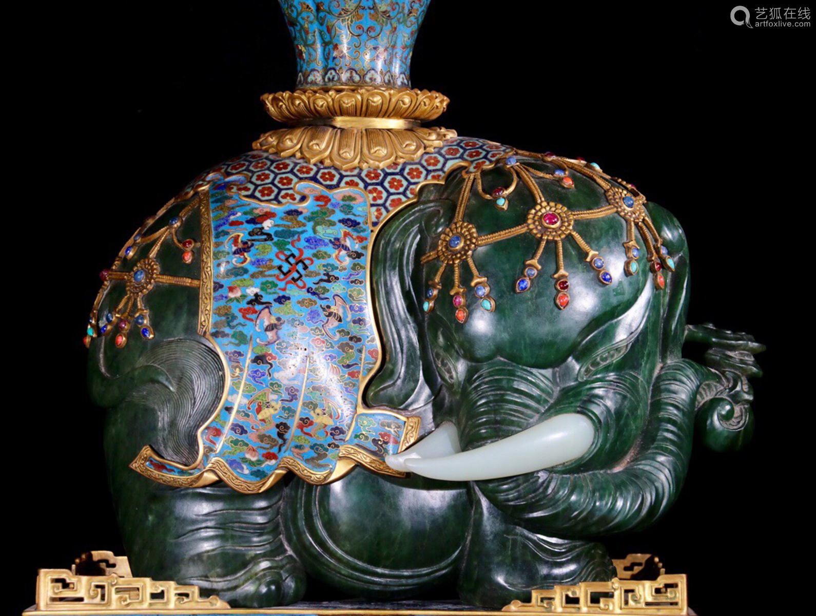 A PAIR OF CLOISONNE ORNAMENTS SHAPED ELEPHANT WITH JASPER&JADE DECORATED