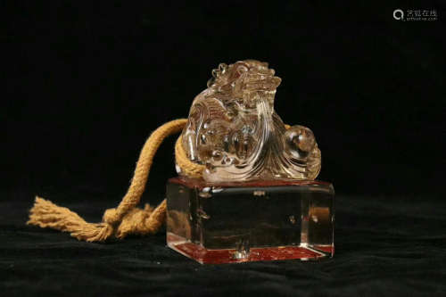 A CRYSTAL CASTED DRAGON PATTERN SEAL