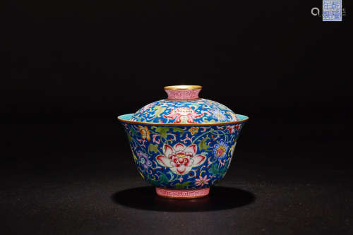 A QIANLONG MARK FAMILLE ROSE FLOWER PATTERN PAINTED  TEA CUP