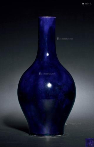 清乾隆 茄皮紫釉橄榄瓶