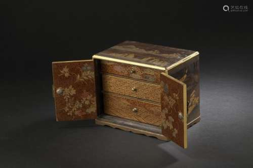 Petit cabinet en bois laqué Japon, époque Meiji (1...;