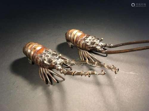 Deux langoustes en bronze Japon, début du XXe sièc...;