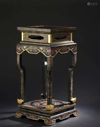 Sellette en bois laqué Chine, fin du XIXe siècle D...;