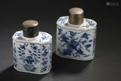 Deux boîtes à thé en porcelaine bleu blanc Chine, ...;