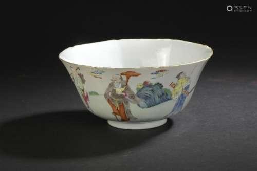 Bol en porcelaine famille rose Chine, début du XXe...;