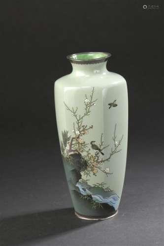 Vase en cloisonné miroir à fond vert sur argent Ja...;