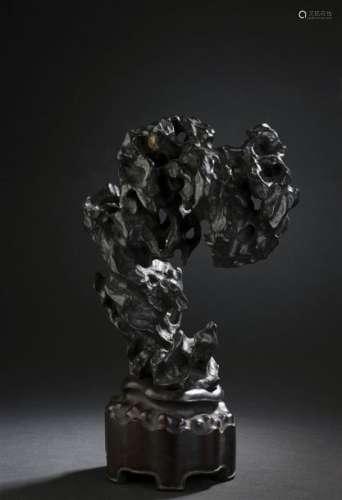 Rocher de lettré en pierre noire linglong ying Chi...;