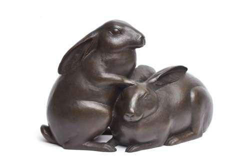 Grande sculpture en bronze représentant deux lapin…