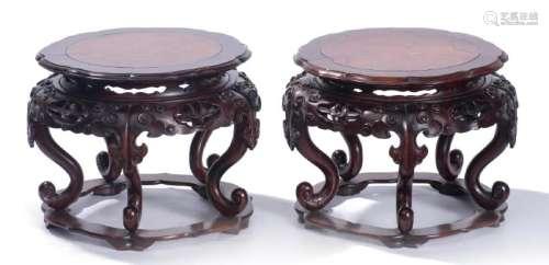 Paire de socles ou sellettes en bois de Chine