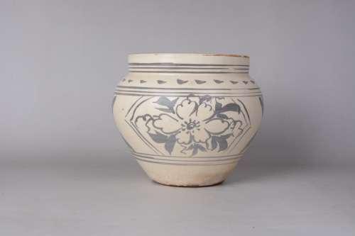 A Chinese Cizhou Porcelain Jar