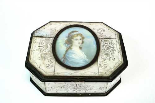 Miniature portrait inset ivory and tortoiseshell box