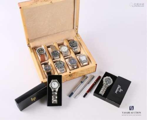 Lot de montre comprenant trois montres de marque L…
