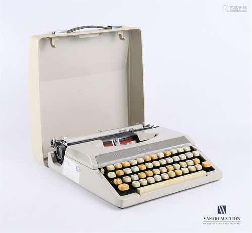 ROYAL Machine à écrire modèle Royal 2000 avec noti…