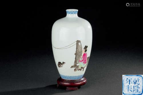民国 粉彩仕女纺织图纹瓶